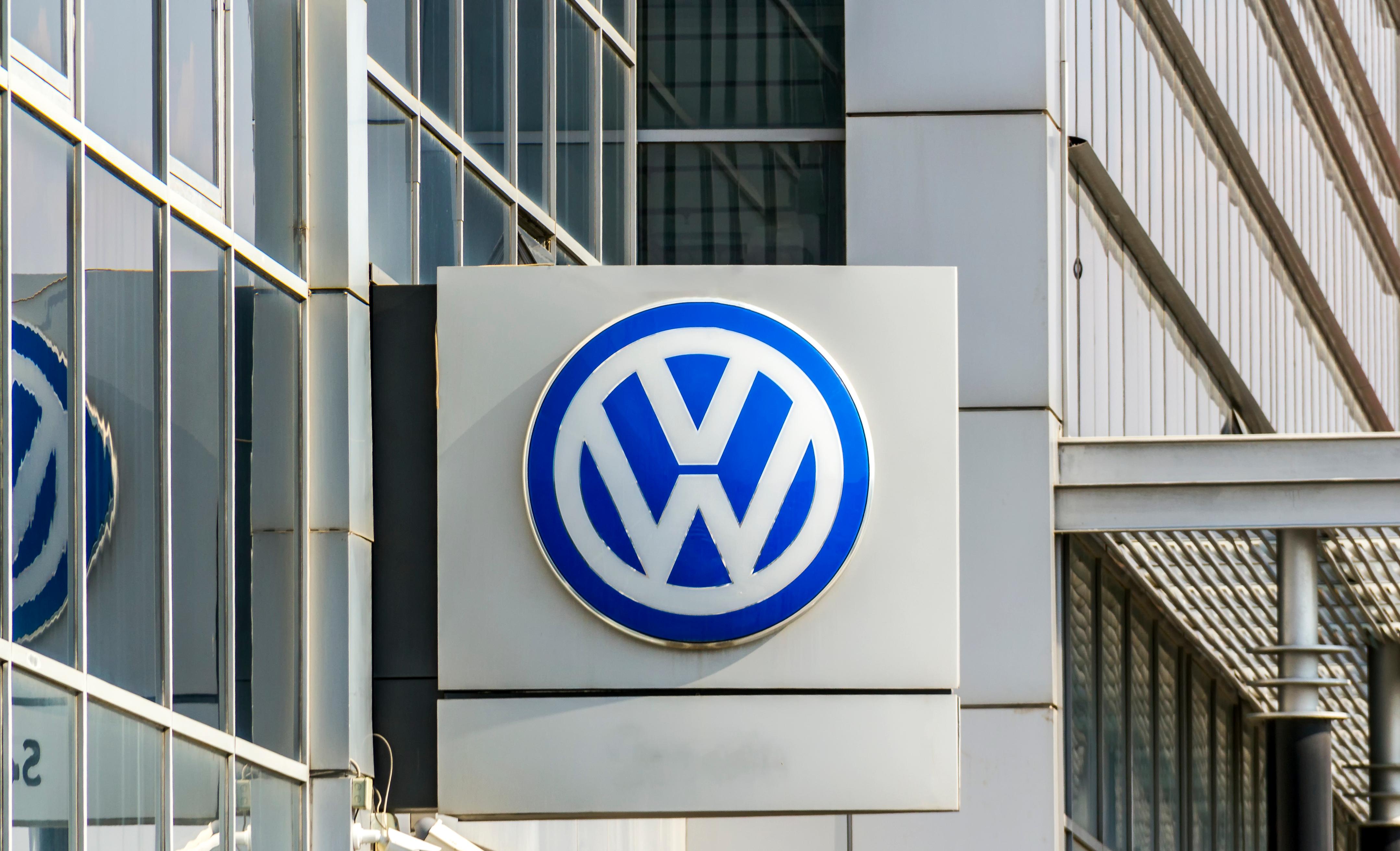 Volkswagen vrea sa renunte la unele marci din portofoliul grupului, in paralel cu concedieri