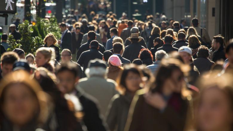 strada, oameni, aglomeratie, soare, intersectie, semafor