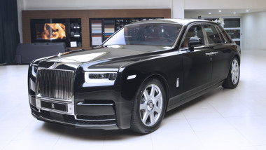 rolls-royce-phantom-main-1539849120