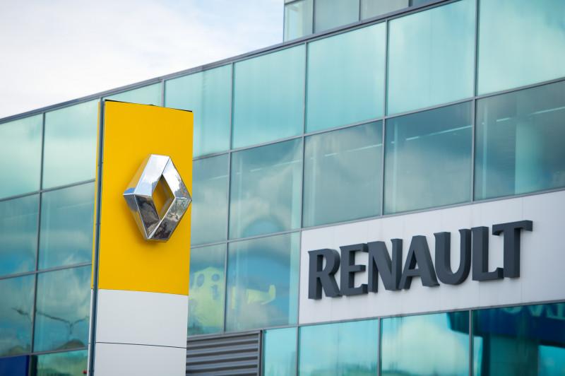 renault logo sigla shutterstock_208035937