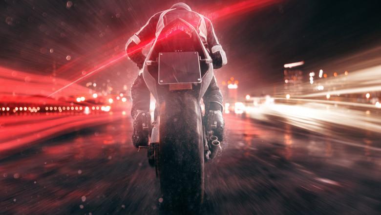 shutterstock_655285099 motociclist motocicleta