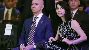 Jeff Bezos si Mackenzie Bezos
