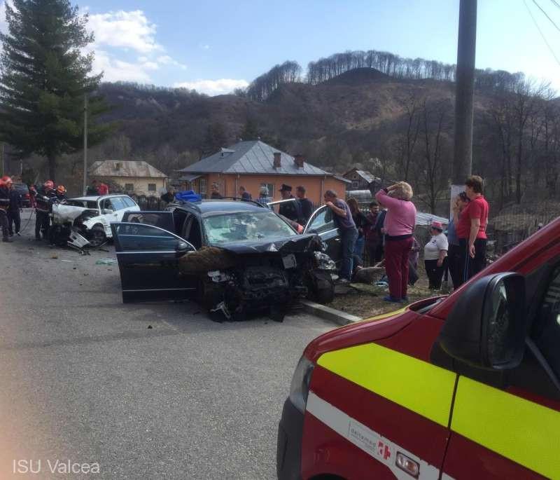 Két ember vesztette életét egy autóbalesetben