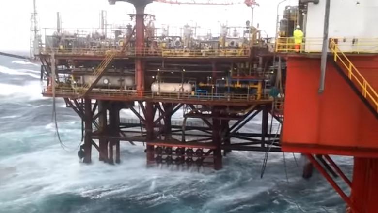 platforma petroliera marea neagra