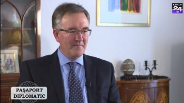 ambasadorul marii britanii Andrew Noble