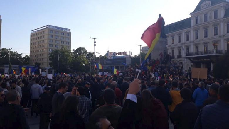 piata-unirii-iasi-manifestanti-anti-psd-ziarul-de-iasi