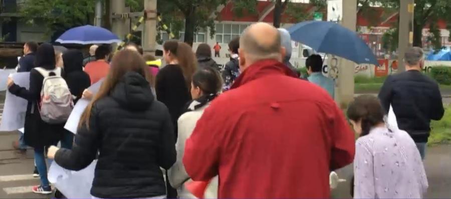 Protest inedit la Iaşi. Elevi şi părinţi au traversat continuu pe trecerea de pietoni