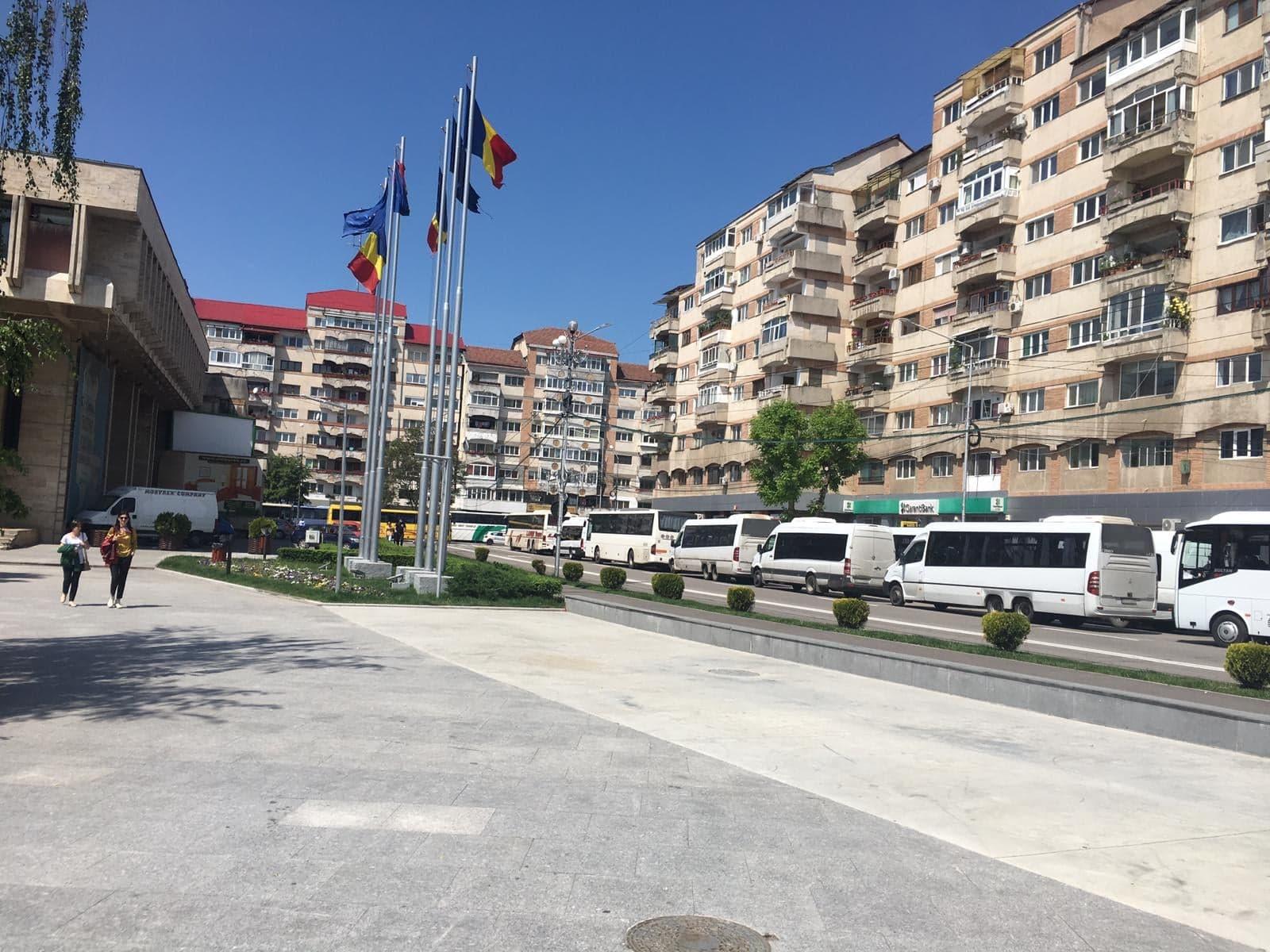 "Baraje de Politie, jandarmi si strazi inchise la Targoviste inainte de mitingul PSD. Rovana Plumb: ""Nu e o atmosfera care sa te faca sa te simti bine"""