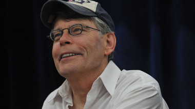 """Stephen King Promotes """"Under The Dome"""" At Wal-Mart"""