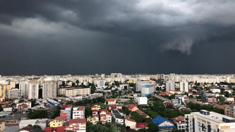 vremea-meteo-nori-furtuna-bucuresti-digivox (1)