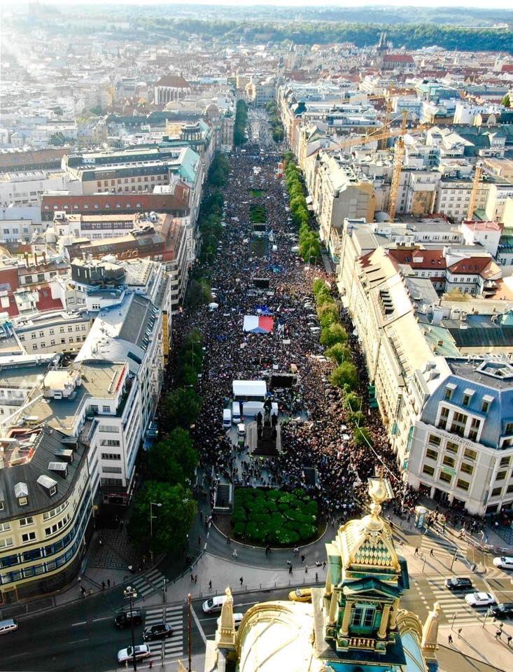 Protest de amploare în Cehia: 50.000 de oameni au ieșit în stradă pentru justiție