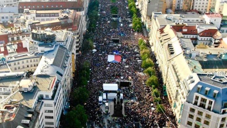 protest-justitie-praga-cehia-twitter