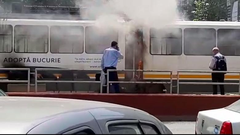 tramvai flacari