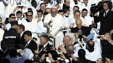 Papa Francisc în România. Măsurile speciale de securitate luate de autorițăți și programul artistic din București