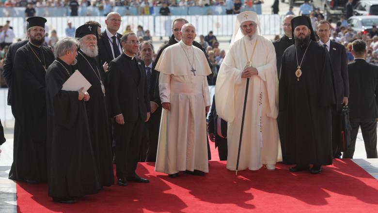 papa francisc patriarhul daniel catedrala neamului - ganea - 20190531170608_OGN_4855-01