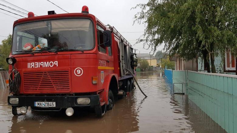 inundatii pompieri