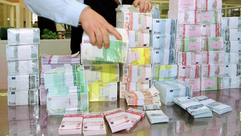 câți bani ai câștigat cu euro câștiguri ușoare și rapide pe Internet