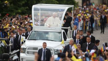 papa papamobil saluta multimea iasi zambitor - george calin 20190601175213_278A1901-01