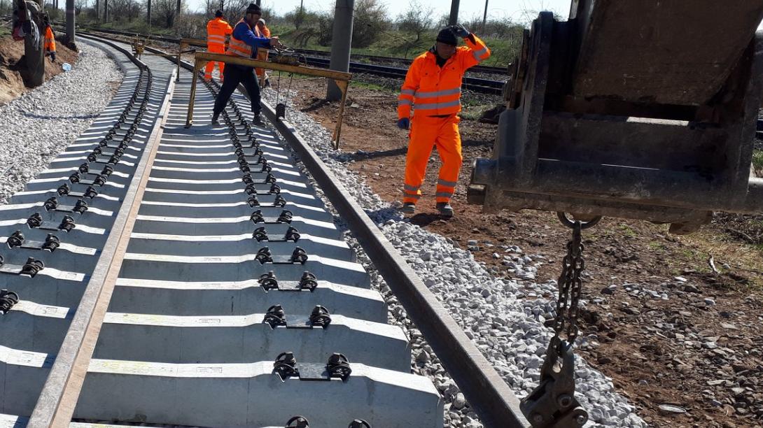 Promisiuni: Calea ferată care leagă Gara de Nord de Aeroportul Otopeni, terminată mai repede