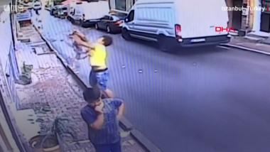 copil salvat în Turcia