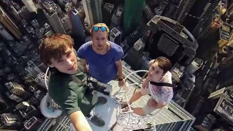 selfie sus