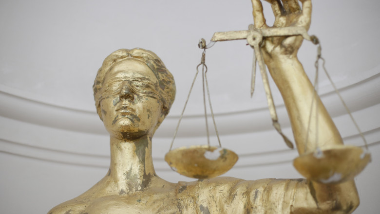 justitie-balanta_INQUAM_Photos_Octav_Ganea