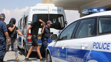 12 israelieni acuzați că au violat o turistă, în Cipru
