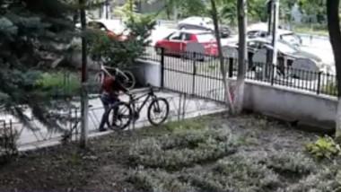 hotul de biciclete