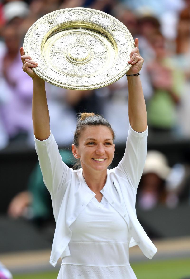 Simona Halep trofeu Wimbledon 2019