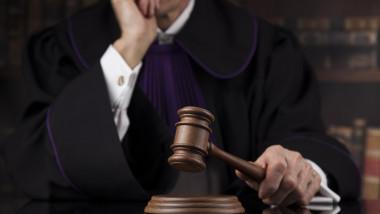judecator instanta_shutterstock_565664341