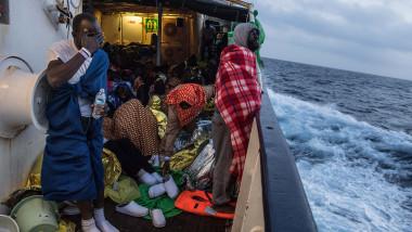 refugiati Open Arms Mediterana