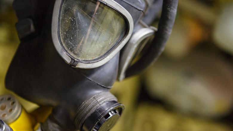 old fashioned black gas mask
