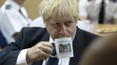 Boris Johnson în vizită la o închisoare din Anglia