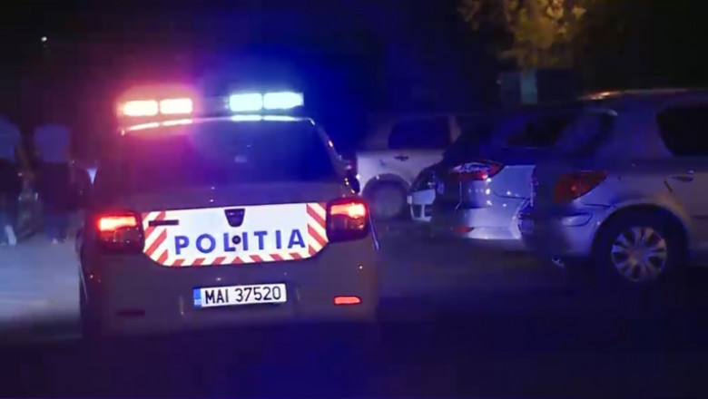 politie masina noaptea
