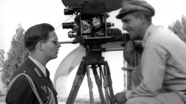 regele mihai ochelari soare de vorba cameraman - familia regala fb