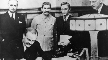 Hitler Stalin Pact