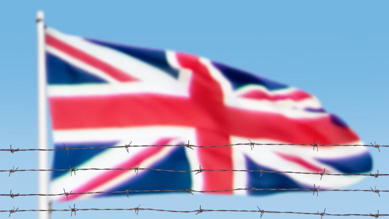 Steag al Regatului Unit cu sârmă ghimpată în relief