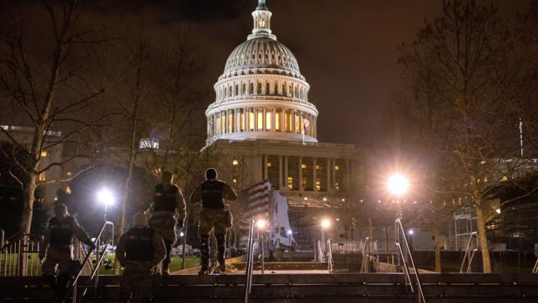 FBI cere ajutorul publicului pentru identificarea insurgenților care au vandalizat Congresul SUA