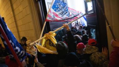 asalt asupra Capitoliului, momentul în care protestatarii intră în clădire