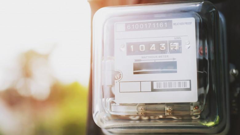 ANRE a prelungit perioada în care consumatorii casnici pot încheia contracte pe piaţa concurenţială