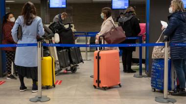 Sute de mii de persoane părăsesc Marea Britanie din cauza pandemiei