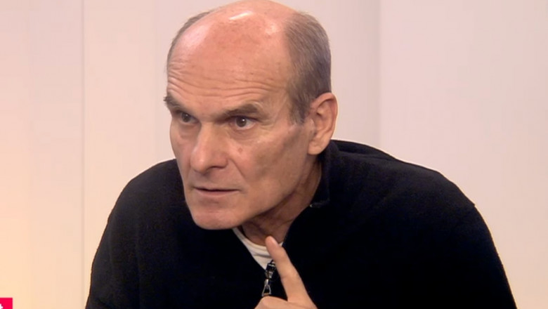 cristian tudor popescu gesticuleaza in timpul unei interventii la digi24