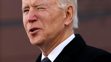 Joe Biden plânge