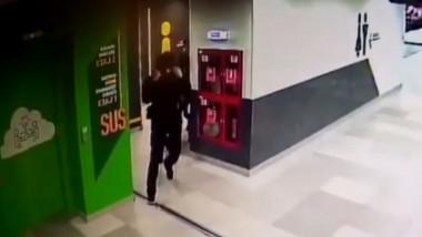 barbat arestat tentativa viol centru comercial sect 6