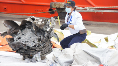 Resturi avion boeing indonezia