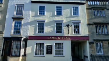 Pubul istoric Lamb & Flag din Oxford, Anglia, deschis în 1566 se va închide din cauza COVID-19
