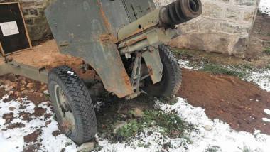 Un craiovean a scos la vânzare pe Facebook un tun din Al Doilea Război Mondial