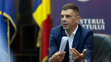 eduard novak ministrul tineretului si sportului
