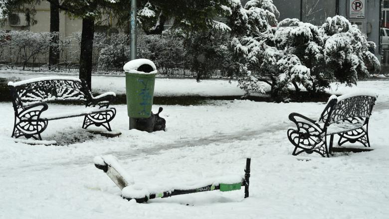 În București va continua să ningă, iar stratul de zăpadă va ajunge la 12 centimetri.