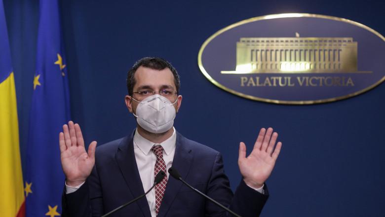 Voiculescu își cere scuze după ce a insistat cu declarații false privind  înmormântarea morților de Covid: Am preluat informații greșite